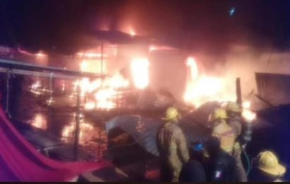 Se incendia el Mercado de Juchitán, en el Istmo de Oaxaca; siniestro fue controlado