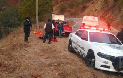 Un muerto, preliminar de volcadura de camioneta en Oaxaca