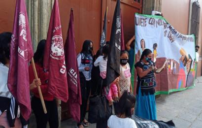 Mujeres de CIPO protestan en Casa Oficial y anuncian marcha