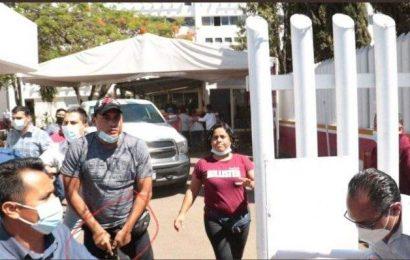 Si coordinadora de Bienestar en Oaxaca tiene escoltas, será sancionada, advierte AMLO