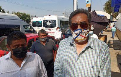 Trasportistas protestan en SCT, exigen reanudación de trámites