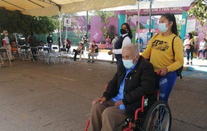 Hay adultos mayores en Santa Lucía del Camino que no tienen primera dosis de vacuna