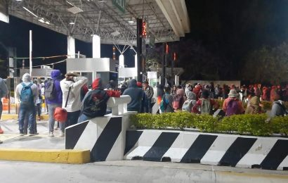 «Estudiantes normalistas» toman la Caseta de Huitzo este viernes en Oaxaca