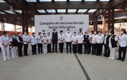Supervisa Murat inicio de vacunación al personal educativo de Oaxaca
