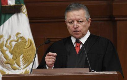 """Ampliar mandato de Zaldívar en Suprema Corte """"es constitucional"""": AMLO"""
