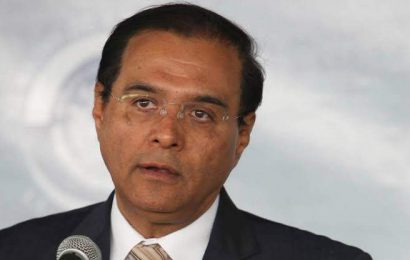Benjamín Robles se atribuye más cargos para su familia y con el PT usarán programas sociales