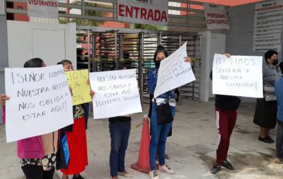 Taxistas protestan en Ciudad Administrativa; exigen liberación de unidades
