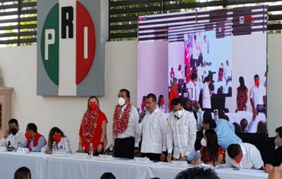 Eviel Pérez Magaña nuevo presidente del PRI en Oaxaca