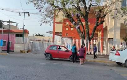 Fallece mujer embarazada a las afueras del Hospital Civil