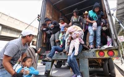 """México y Estados Unidos acuerdan ir contra los """"polleros"""""""