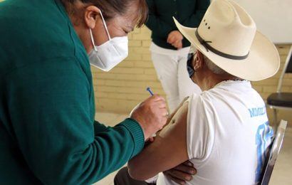 Inicia proceso de vacunación a adultos mayores en municipios del Istmo