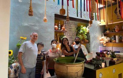 Hugo López Gatell estuvo otra vez en Oaxaca y fue captado sin cubrebocas