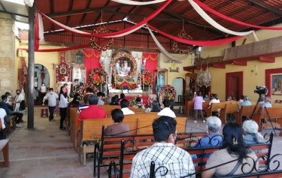 Celebran a la Santa Cruz en Santa Cruz Amilpas, en Valles Centrales de Oaxaca