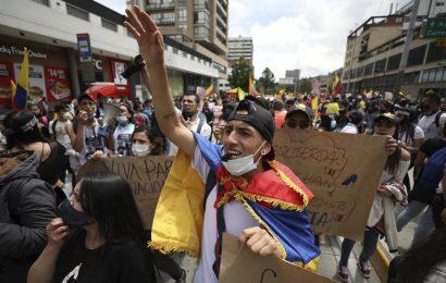 Por octavo día, protestan en Colombia contra el abuso policial