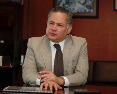 Continuarán bloqueadas cuentas de hermano de García Cabeza de Vaca: UIF