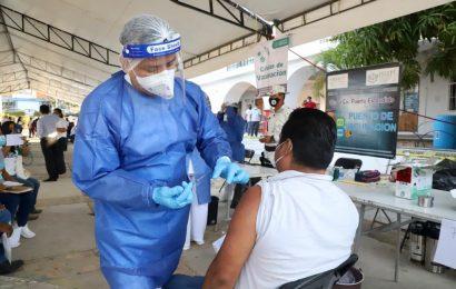 Con más de 35 mil dosis aplicadas en un día, Oaxaca rompe récord de vacunación