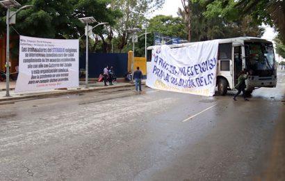 Steuabjo se suma a toma de CU y bloquea avenida Universidad