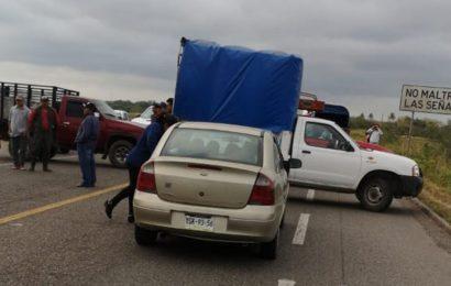 Bloquean carretera en el Istmo, impiden paso hacia Chiapas