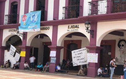 Colonos de Santa Lucía exigen a Dante Montaño rehabilitación de drenaje