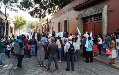 Líder de la AFODEPO obliga a mujeres a protestar en la Ciudad de Oaxaca