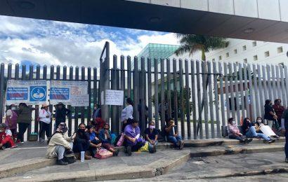 Por protestas, diputados suspenden sesión ordinaria en el Congreso Estatal