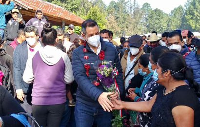 Tras liberación de retenidos, arriba Alejando Murat a Santiago Textitlán