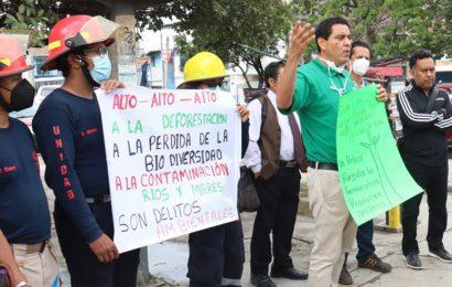 Ambientalistas protestan en Símbolos Patrios, rechazan derribo de árboles