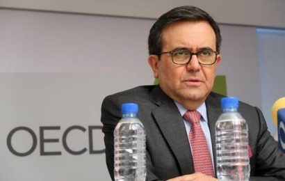 Vinculan a proceso al ex secretario de Economía, Ildefonso Guajardo
