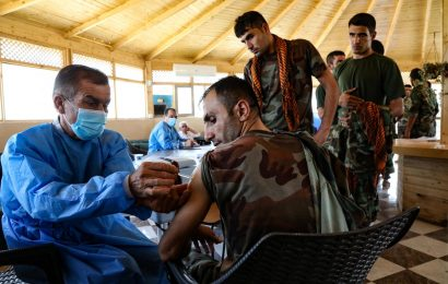 OMS llama a no pedir vacuna de refuerzo mientras haya países sin dosis