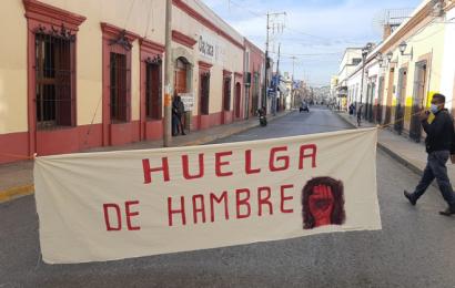 Enfermero de Tlazoyaltepec instala huelga de hambre en los SSO