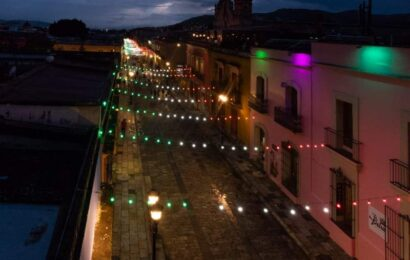Ilumina Administración de colores patrios el corazón de Oaxaca