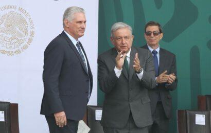 Cese al bloqueo de EU y reconciliación entre cubanos, demanda AMLO