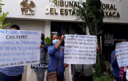 Pobladores de Chiltepec protestan en el TEEO